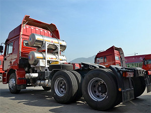 shacman lng tractor truck with ten wheelers,6x4 tractor truck lng