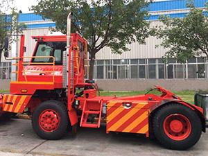 official shacman truck manufacturer.shunt truck,spotter truck,spotting tractor,yard dog,yard goat,yard horse